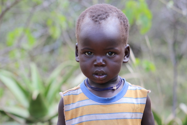 Found this kid with mum, in earlier photo he showed great interest in the camera, i bet he will be a journo some day