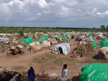 Lira_IDP_camp_makeshift_shelters (1)